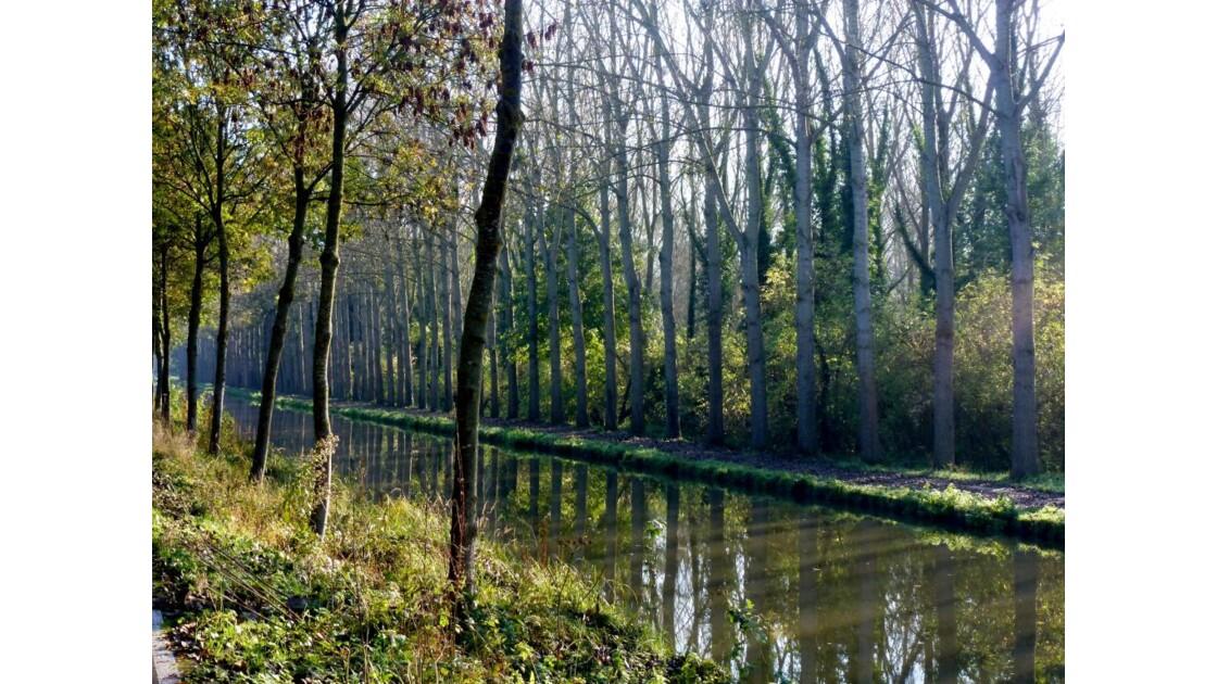 Le canal à Villeparisis.