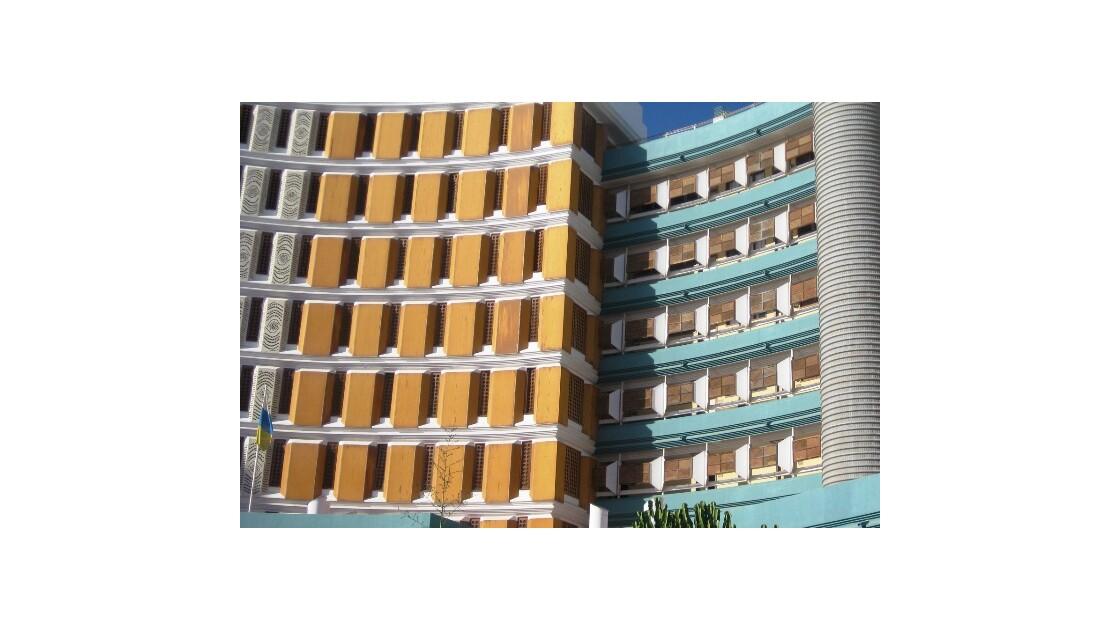 Gran Canaria immeuble courbé.JPG