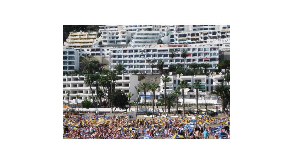 Gran Canaria plage et béton.JPG