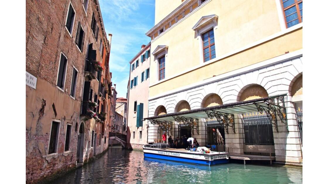07-76-01 Venise