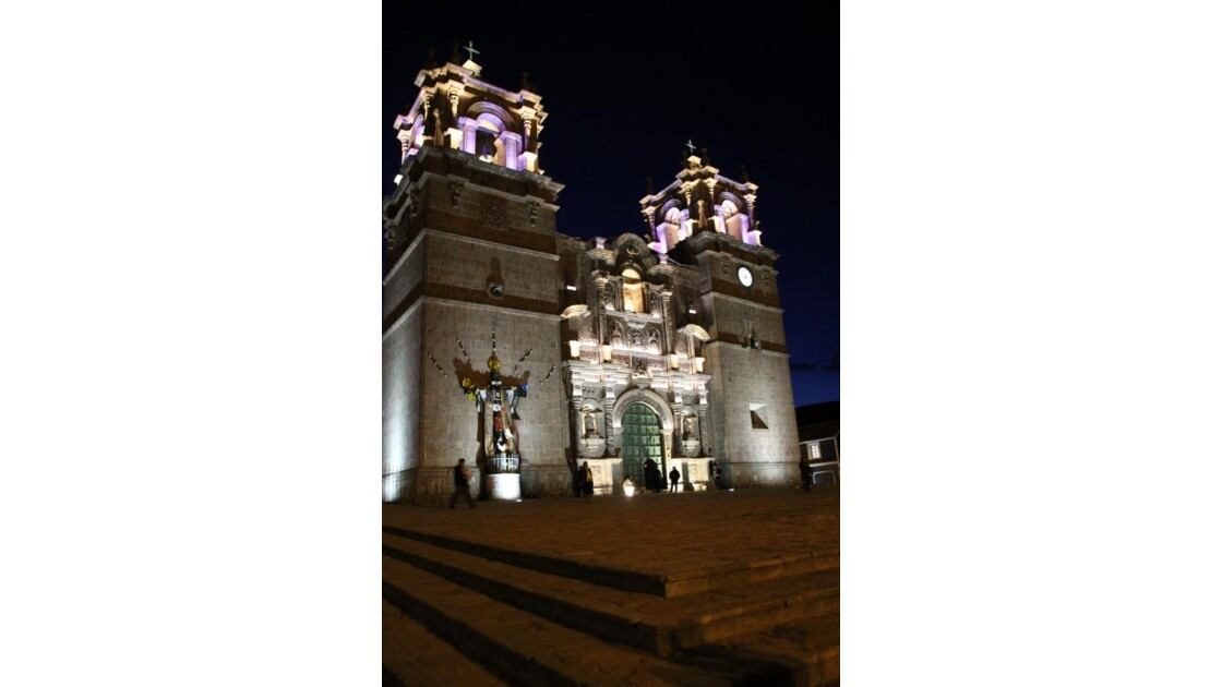 Puno cathedrale.JPG