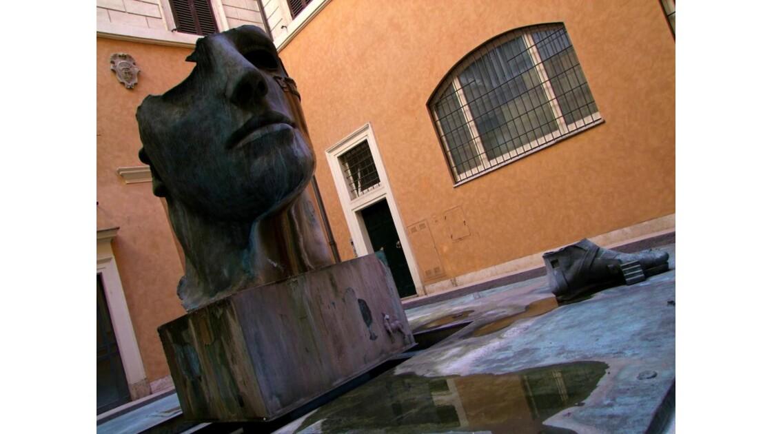 ROME Piazza de Spagna: cour.JPG