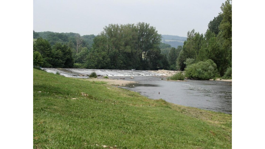 Et au milieu coule une rivière ...