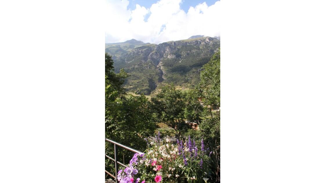"""""""Belle vue sur la montagne ..."""""""