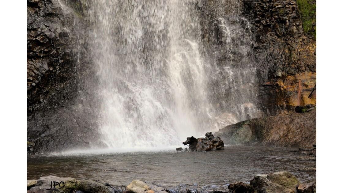 Cascade (Cantal)