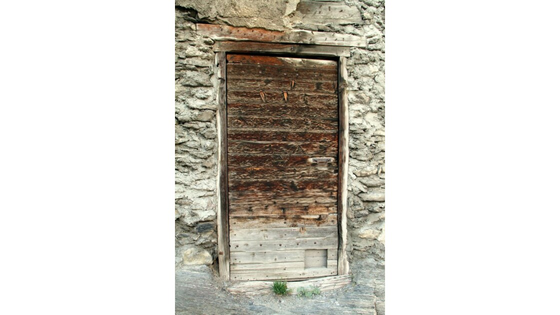 """Porte mystérieuse ..."""