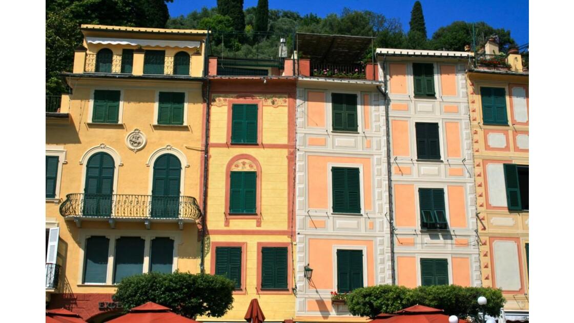 Portofino: maisons sur le port