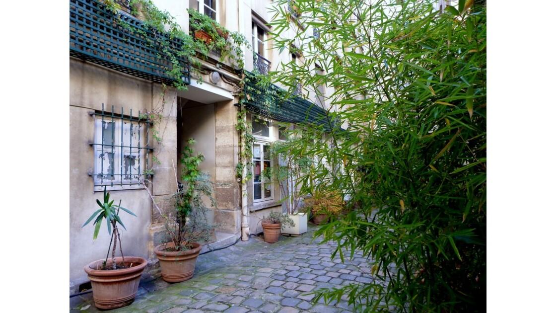 Cour pavée Rue Greneta