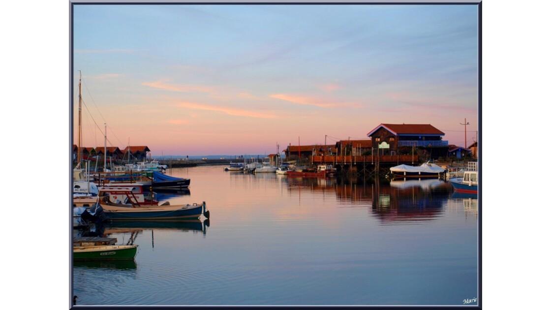 Port de Larros au soleil couchant_PC262