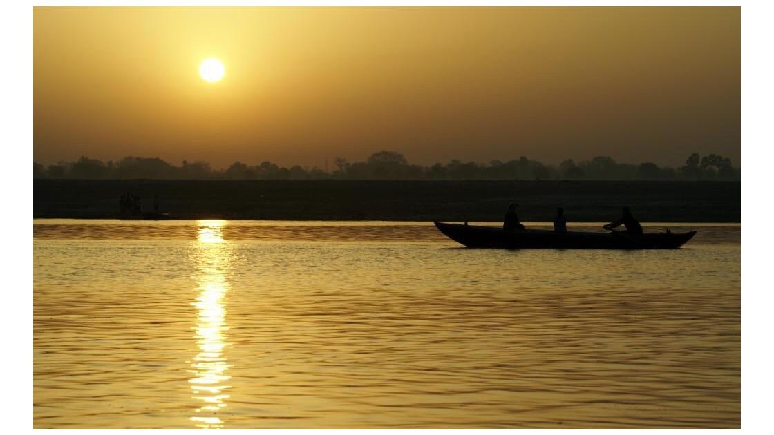Levé de soleil sur le Gange 2