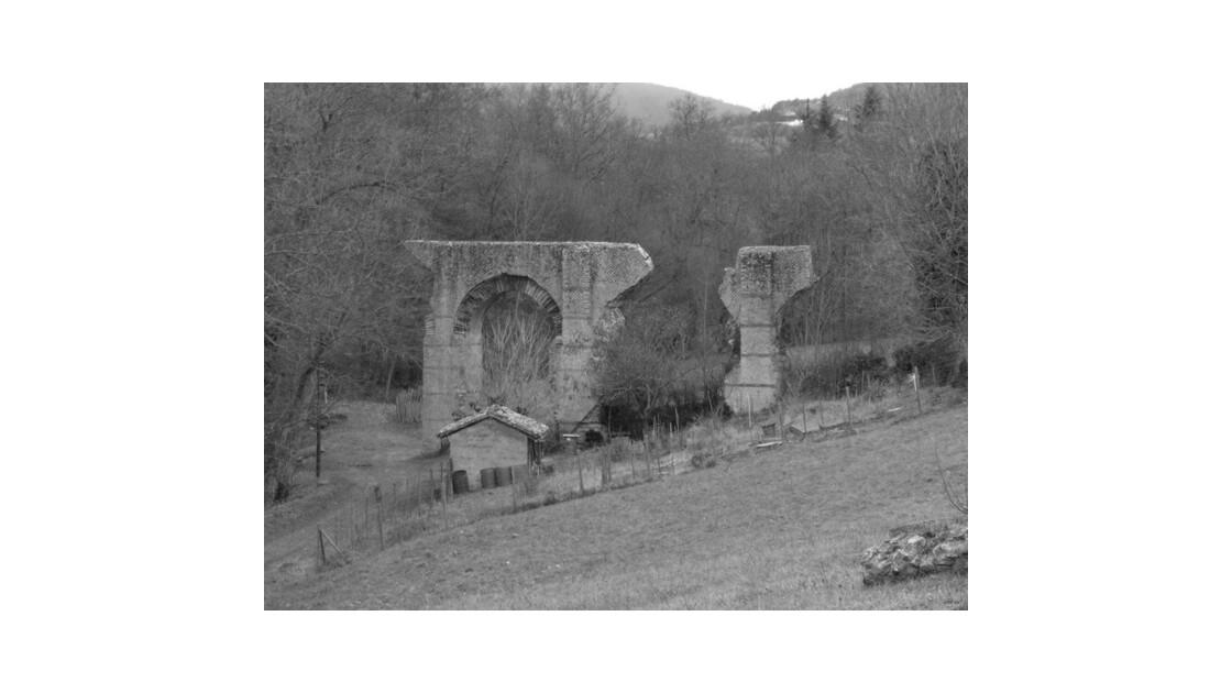 Mornant aqueduc romain 1