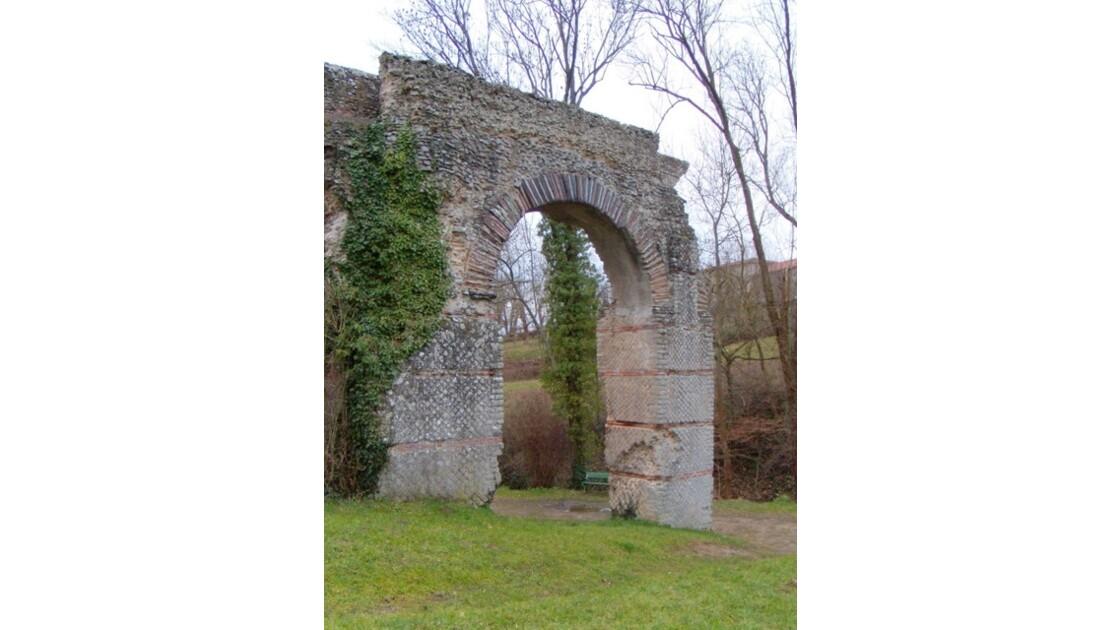 Mornant aqueduc romain 24