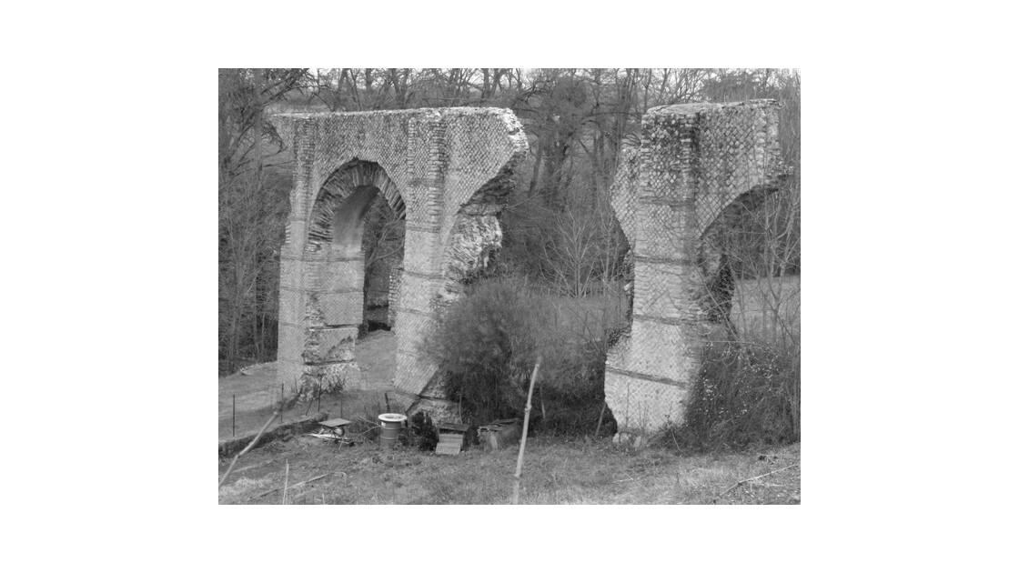 Mornant aqueduc romain 27