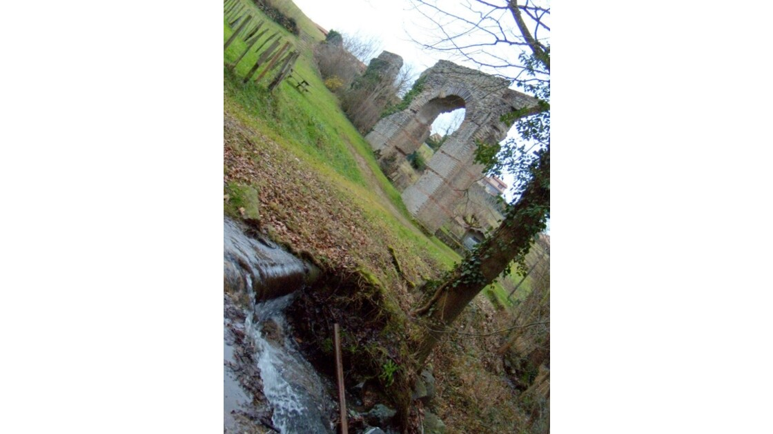 Mornant aqueduc romain 30