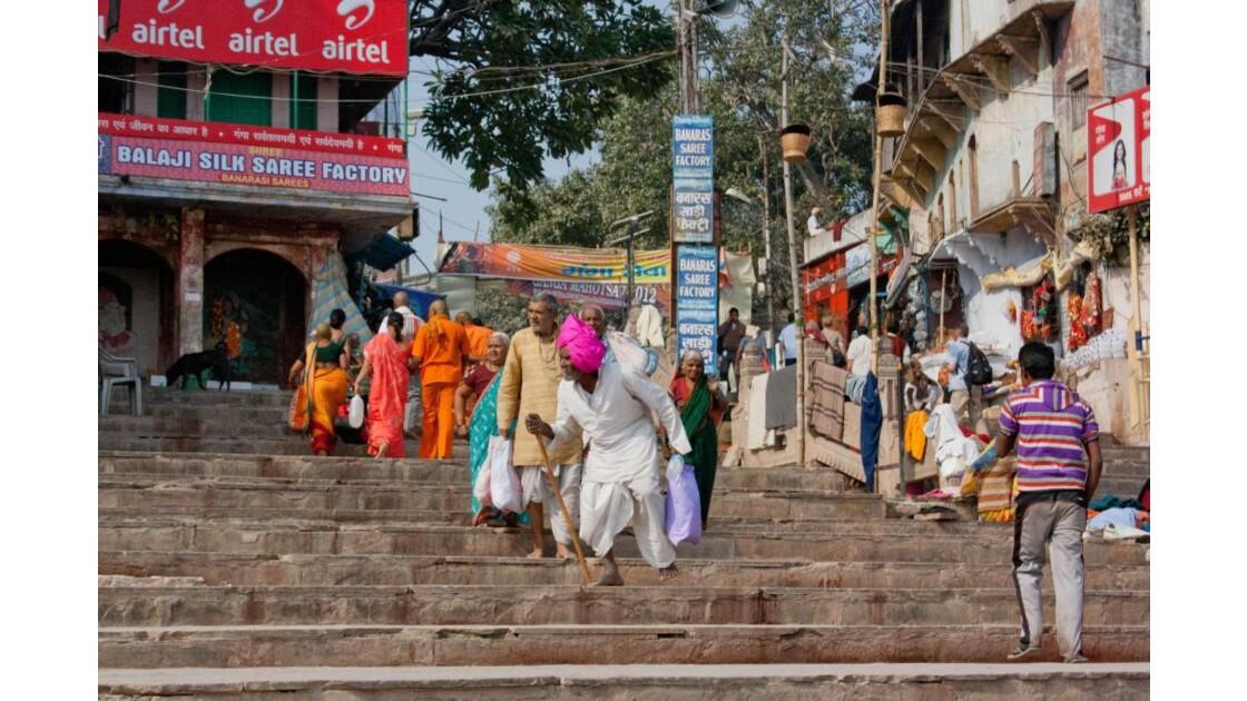 Pinkish! Sur les ghats de Varanasi