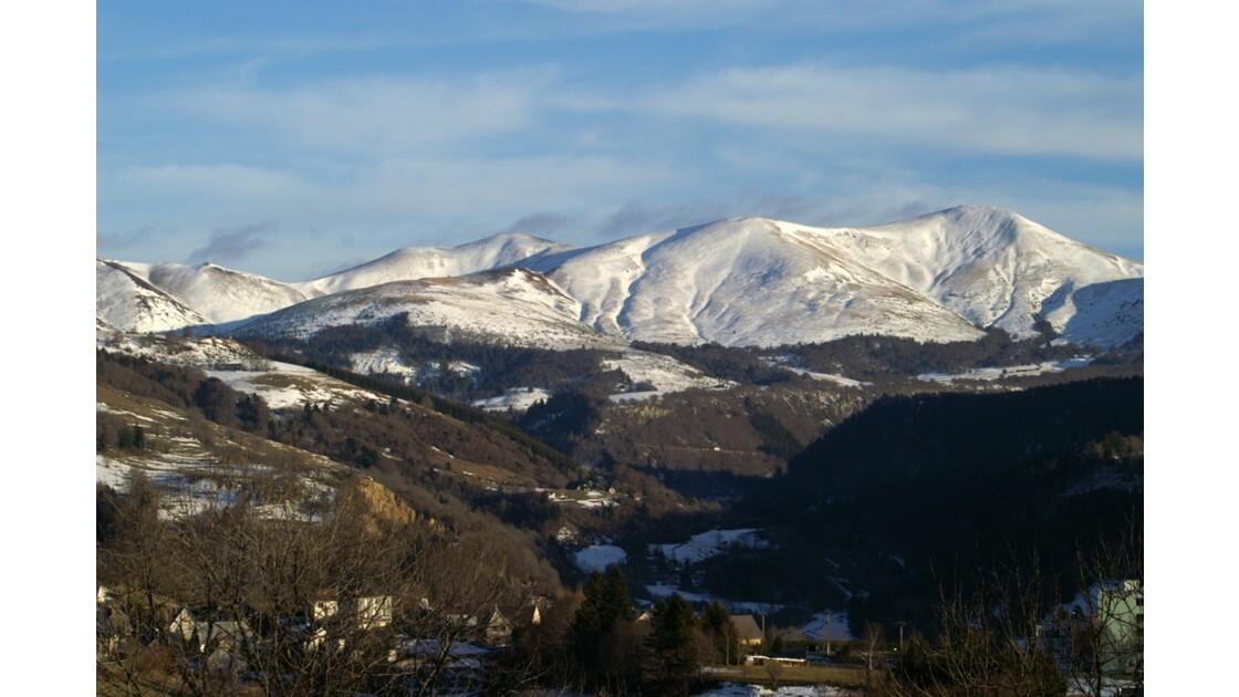 Les Monts Enneigées
