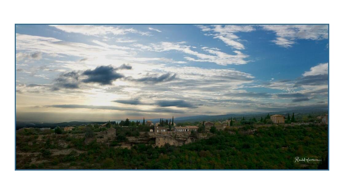 Gordes, vue panoramique