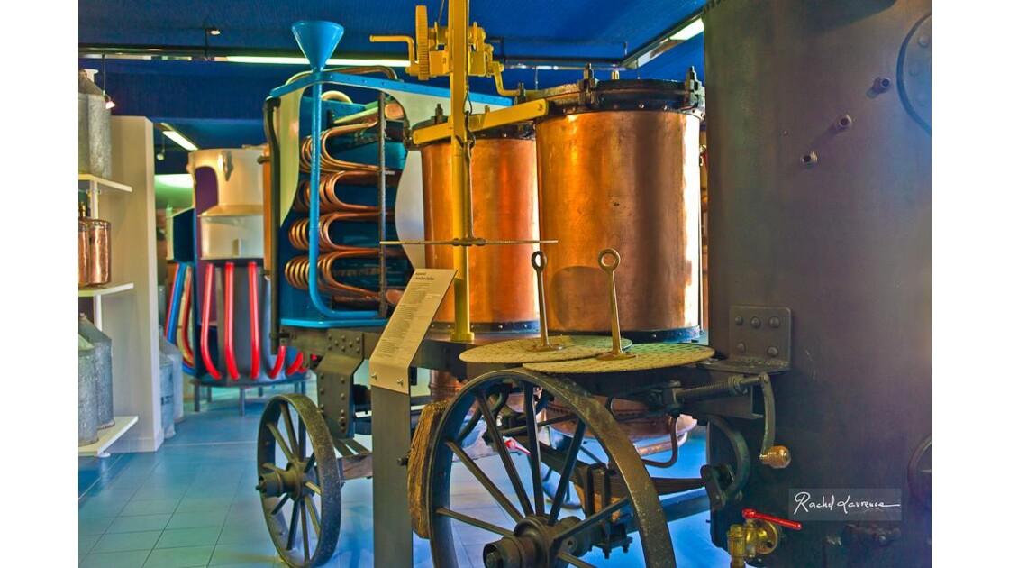 Alambic mobile,pour distiller la lavande