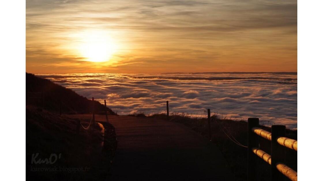 Couche de soleil sur le Puy-de-Dôme