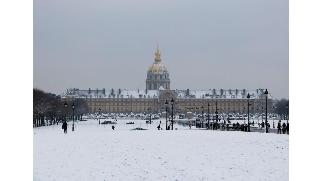 Neige aux Invalides