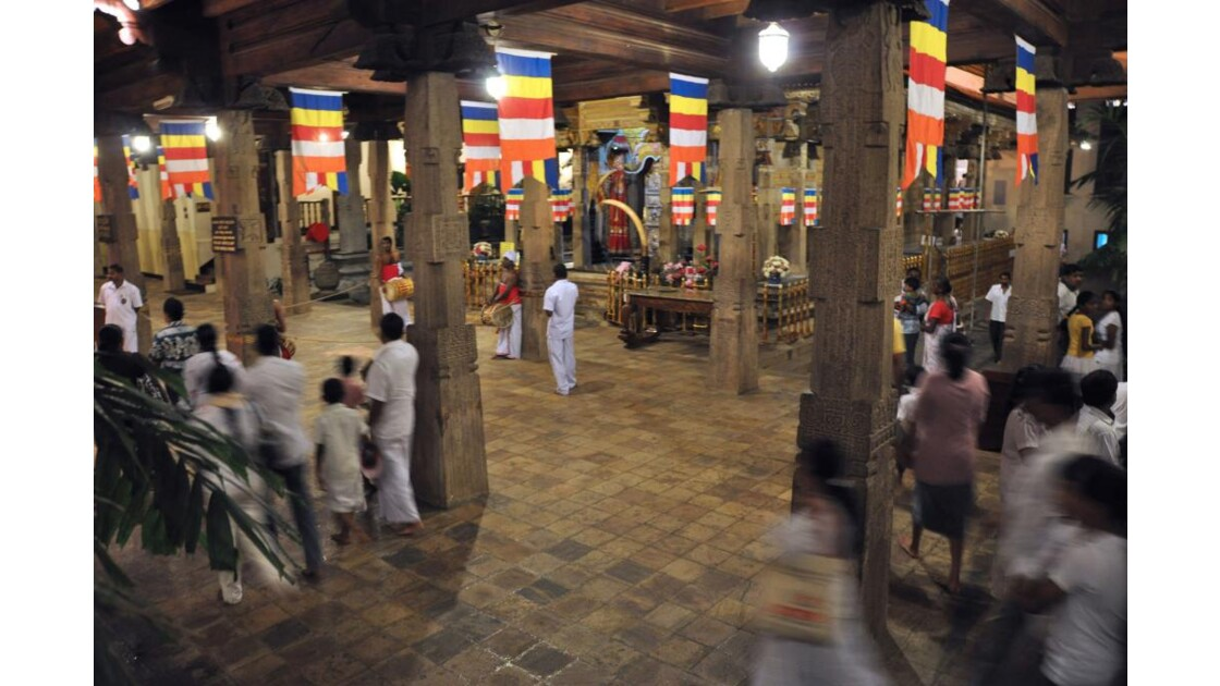 DSC_0082 kandy temple de la dent.jpg