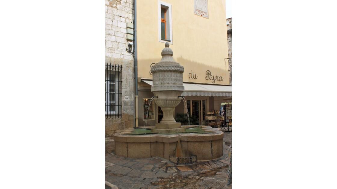 2012 09 27 - 229 - PLACE DU PERYRA