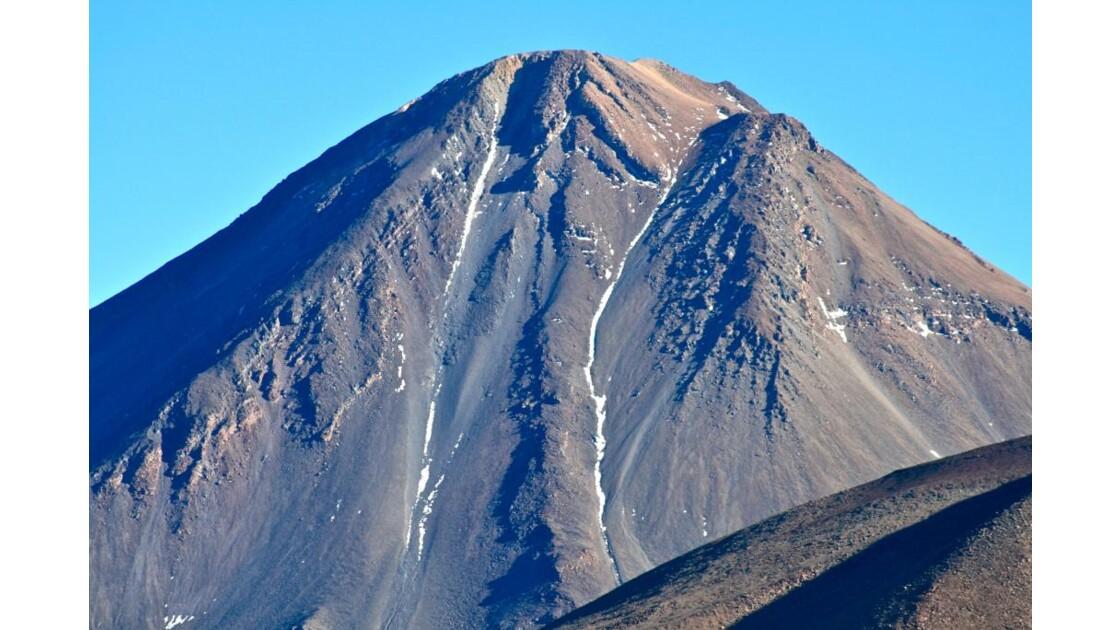 Volcan Licancabur (5916m)