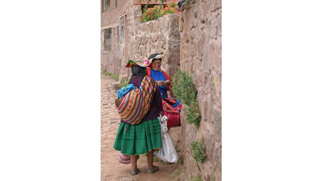 Titicaca Femmes à Taquile