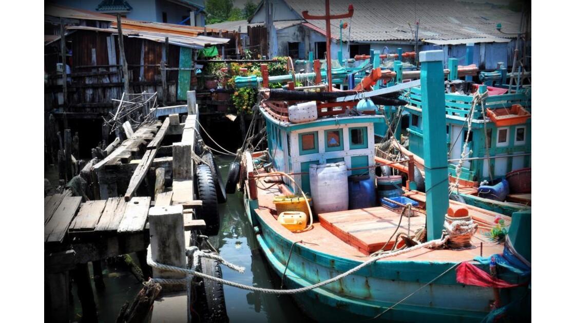 Petit port delabré de Sihanoukville.
