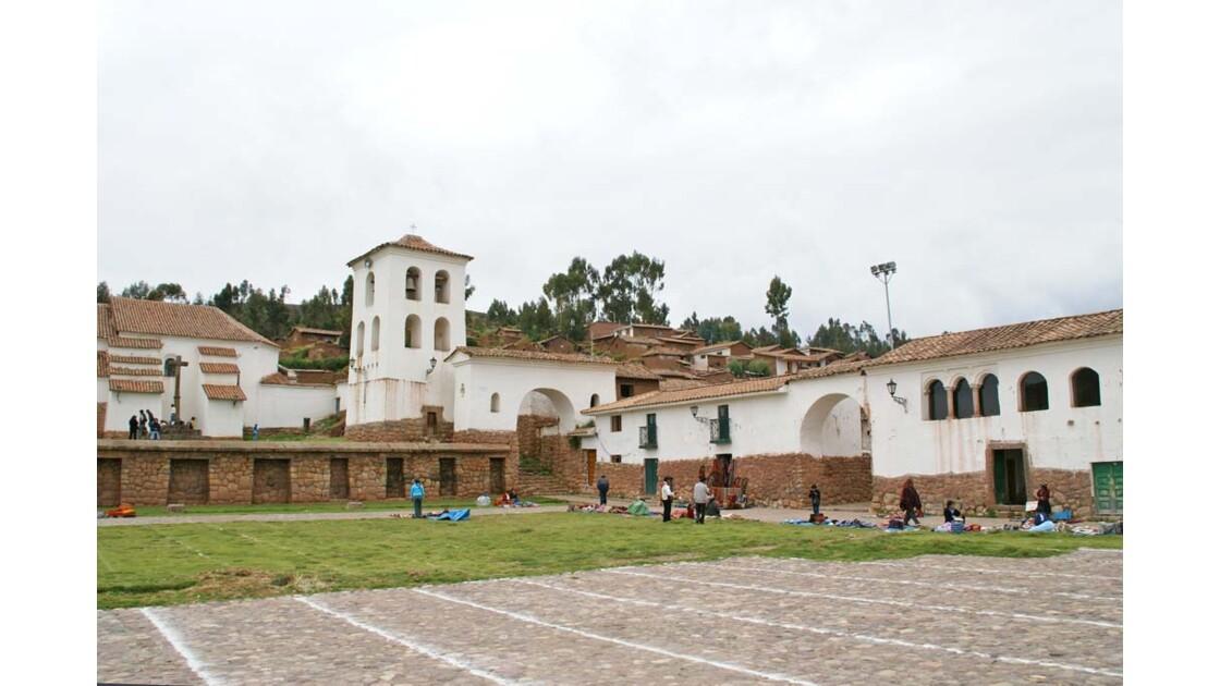 Place de l'église de Chinchero