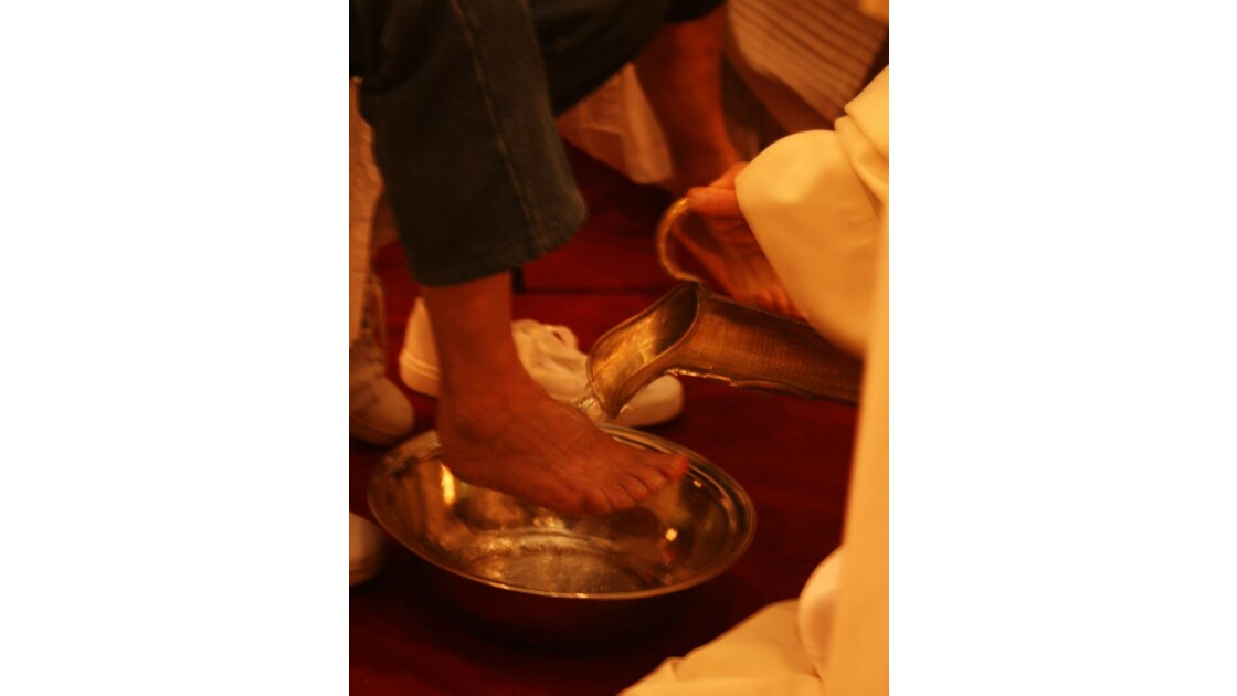 lavare i piedi al viandante