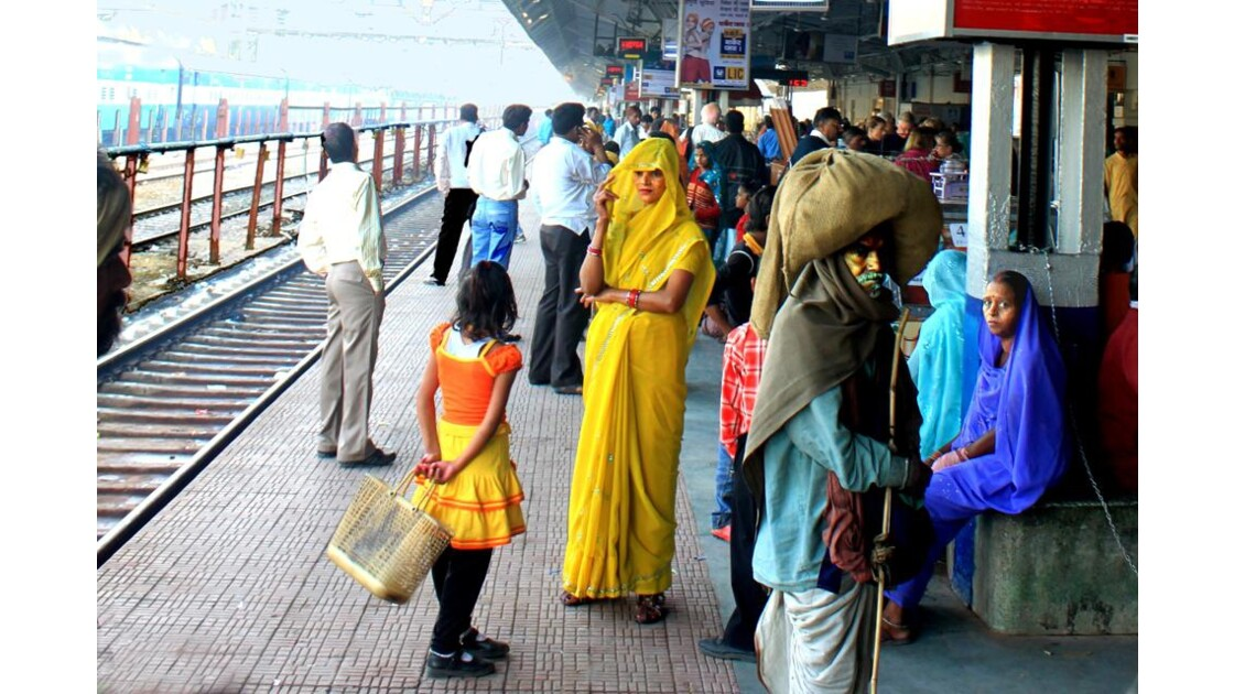Gare d'Agra....départ pour Jhansi