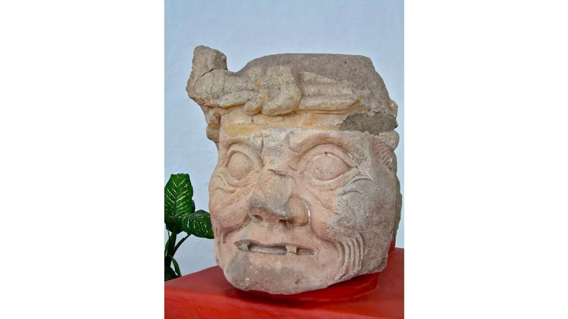 Musée: tête de Pauahtan (original)