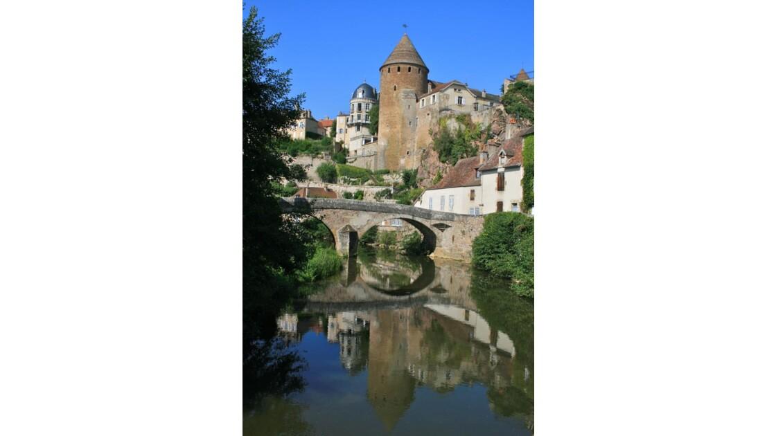 Semur-en-Auxois: Miroir de l'Armançon