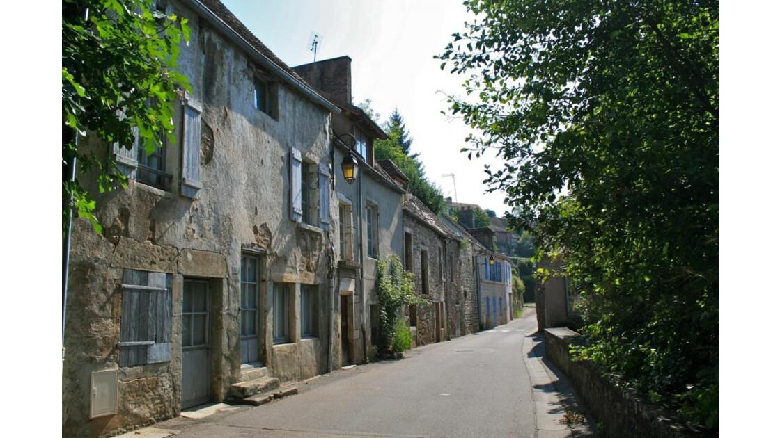 Semur-en-Auxois: faubourg (chaume)