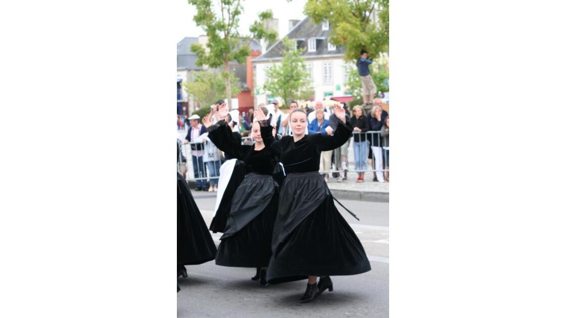 Elle danse...danse...danse !