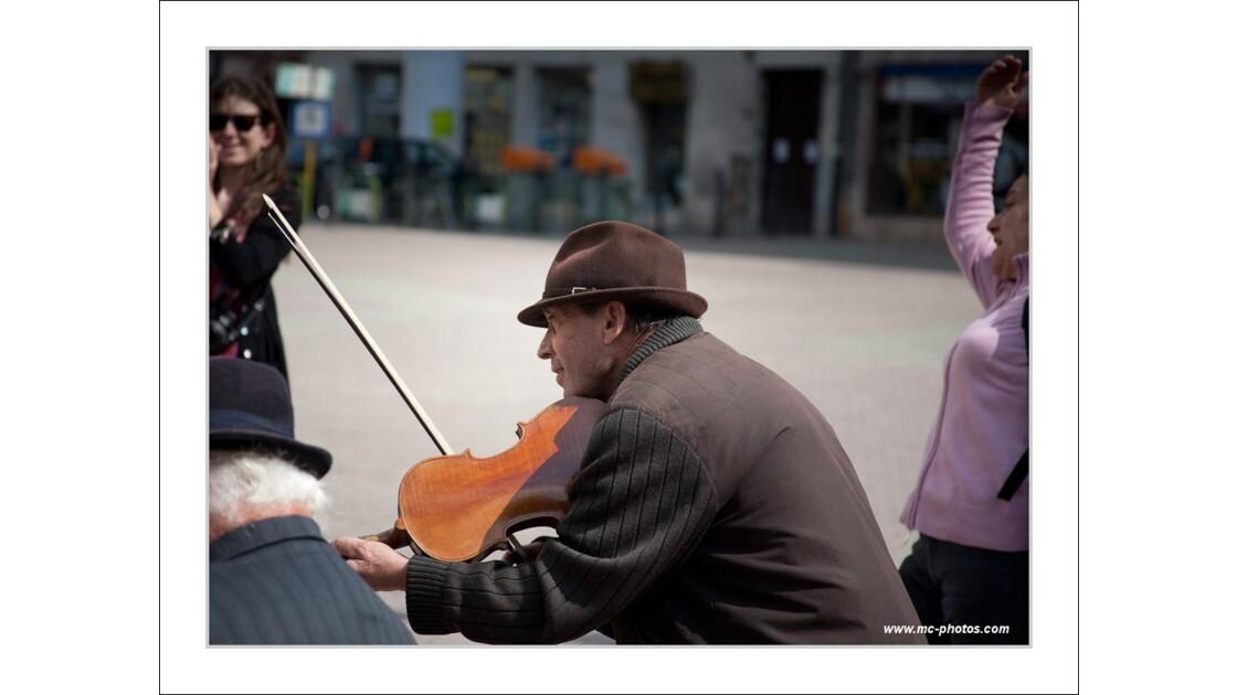 Musicien Tzigane dans la Rue