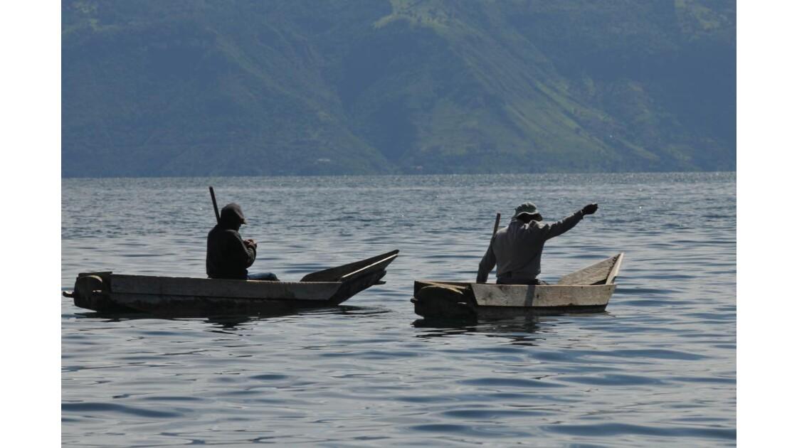 Pêche sur le lac Attitlan