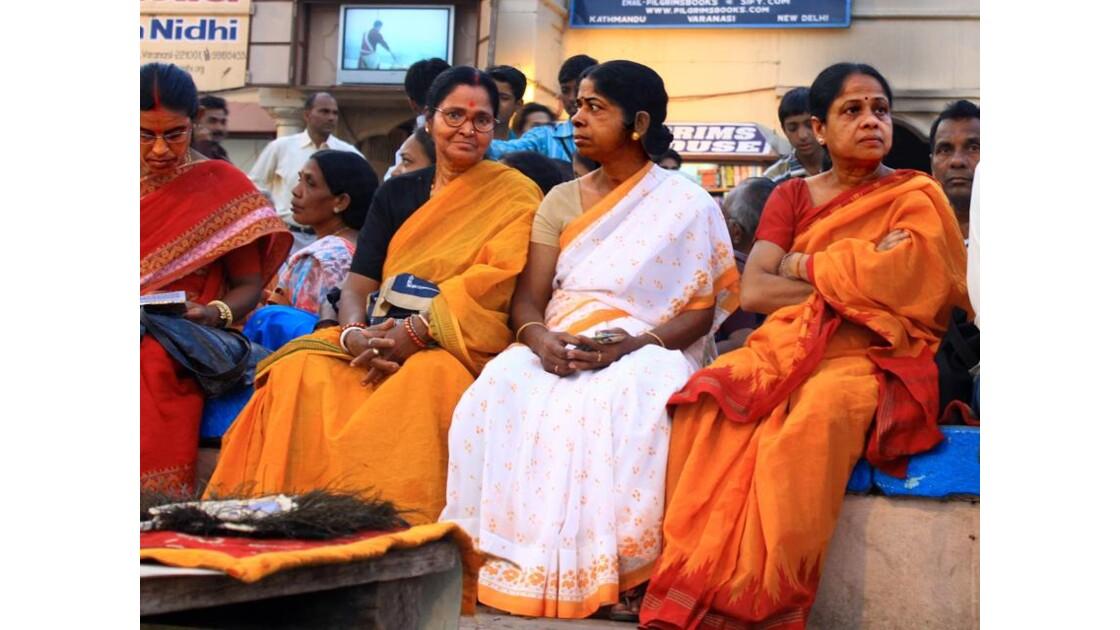 L'attente des saris..