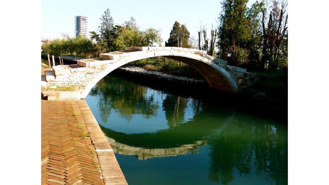 P1040734.JPG Le Pont Du Diable