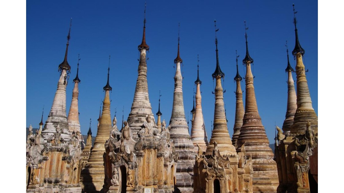 Sagar_stupas.jpg