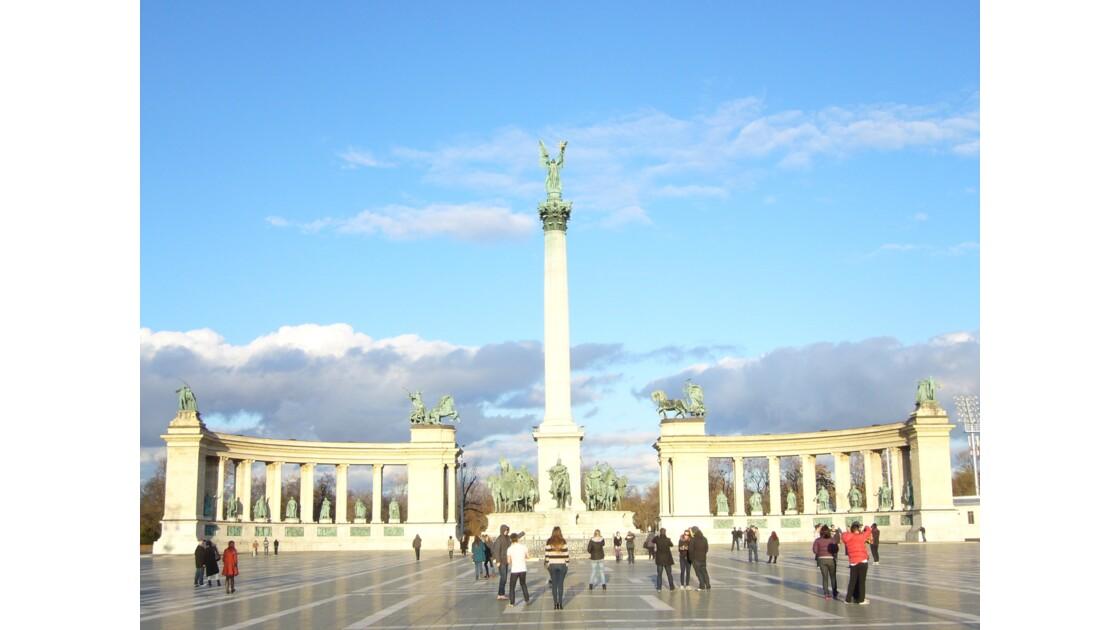 Et Budapest se relève fièrement
