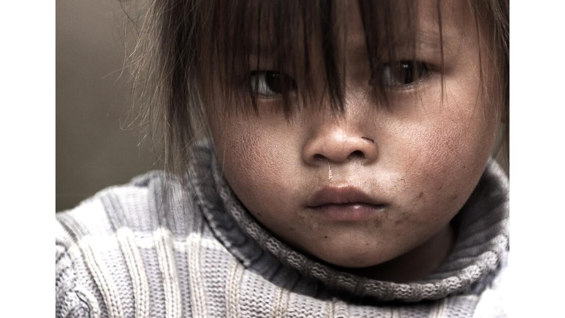 Jeune Hmong au nord du Vietnam