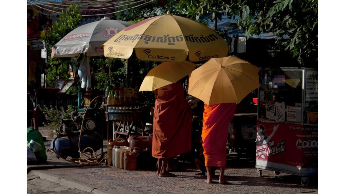 Moine à Phnom Penh