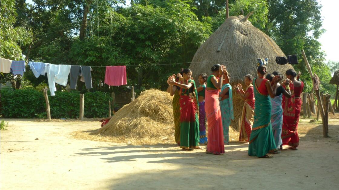 Danse village Népal
