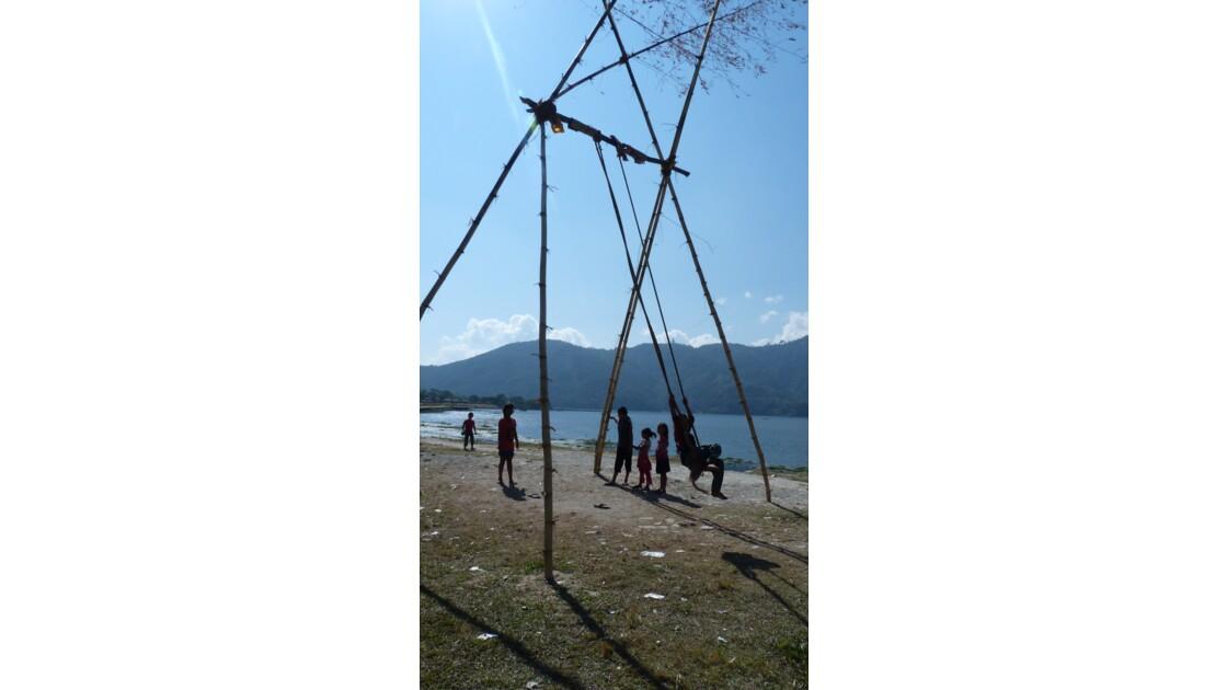 Balançoire fêtes Népal