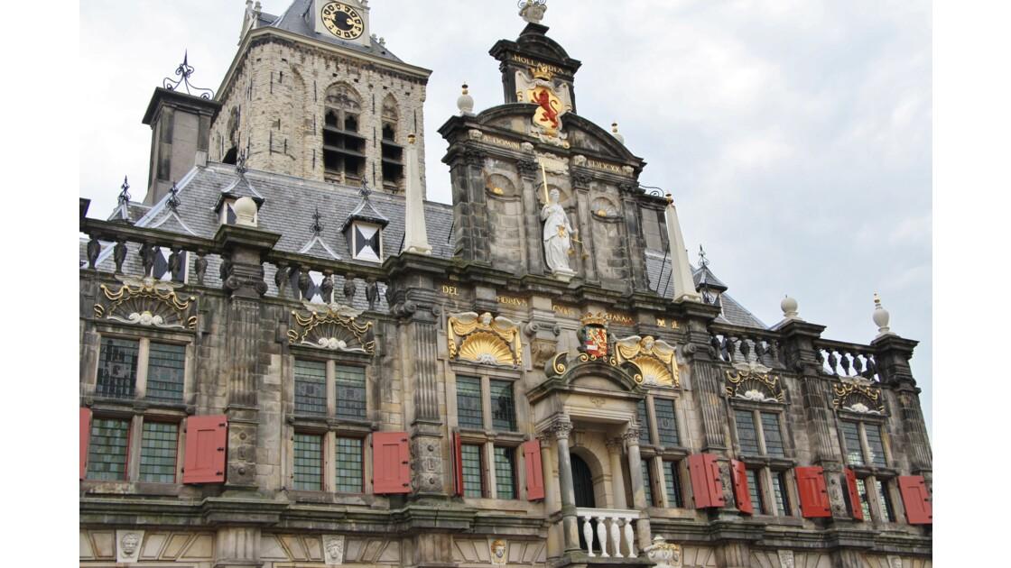 Hôtel de Ville (Markt) Architecture de renaissance .Tour du 12 ème siècle