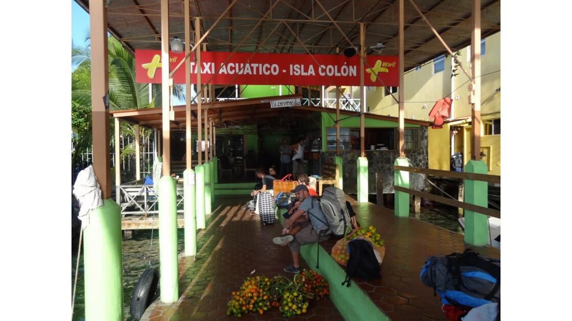 Panama Bocas Del Toro Petit matin au port