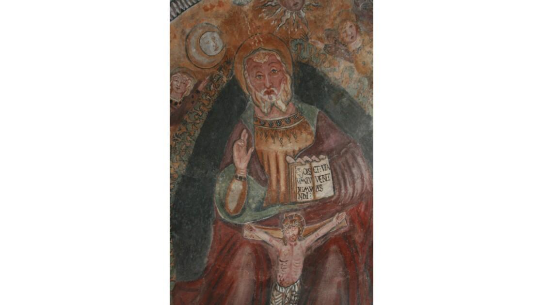 fresque dans une eglise romane