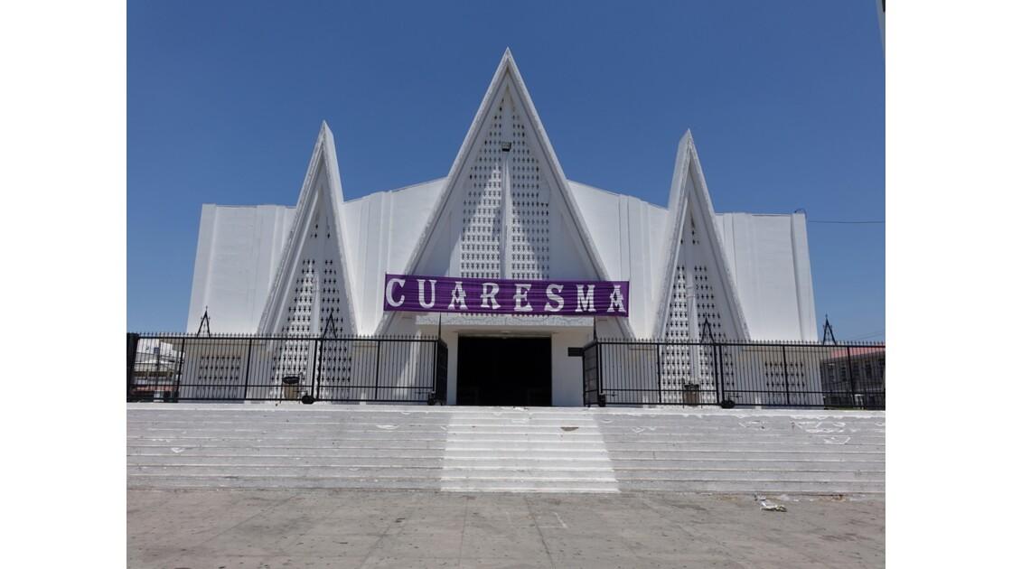 Costa Rica Liberia nouvelle église 1